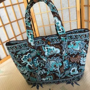 Large quilted Vera Bradley tote w/ button closure